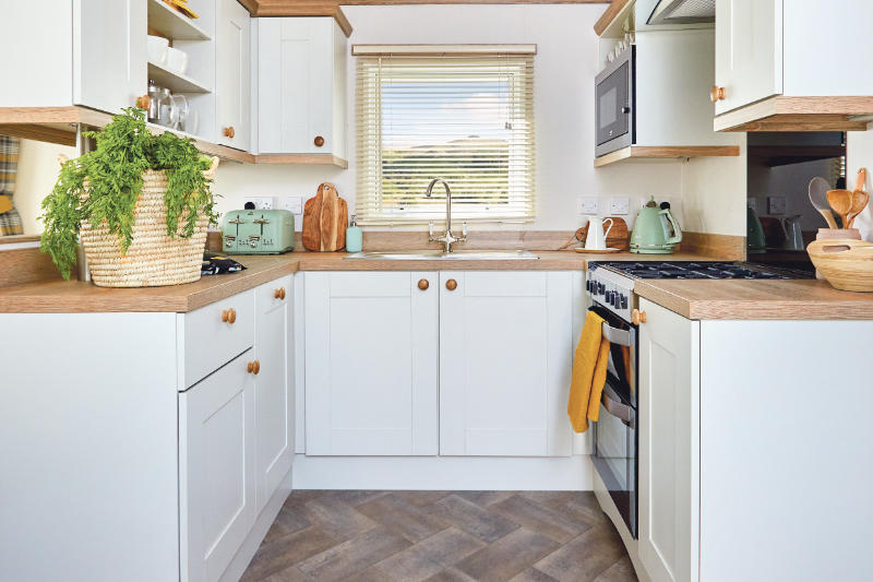 Andrewshayes Beech 2 VIP Bed - Kitchen
