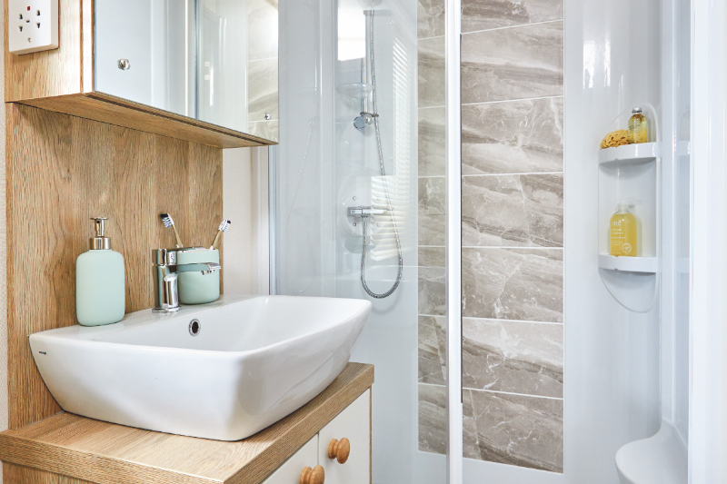 Andrewshayes Beech 2 VIP Bed - Shower Room