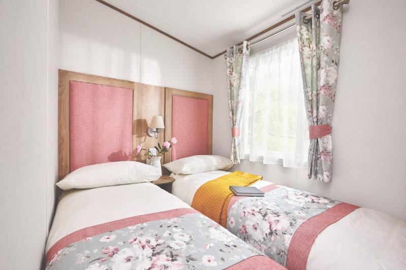 Andrewshayes Beech 2 VIP Bed - Twin Bedroom