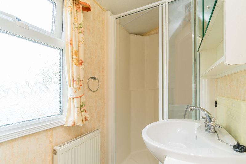 Andrewshayes Willow 2 Bed - Shower