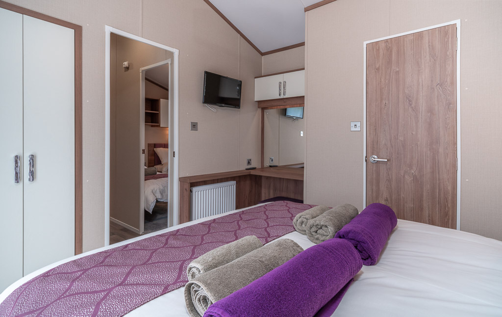 Andrewshayes-Orchard-Lodge-Static-Caravan-Holiday-East-Devon-Hot-Tub-16